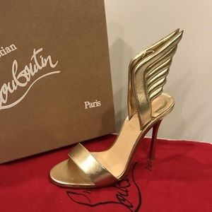 Authentic CHRISTIAN LOUBOUTIN BRAND NEW! Size 40